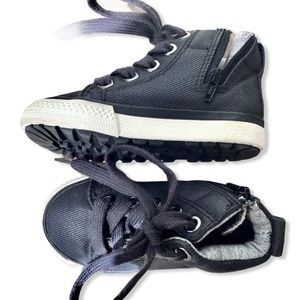 Little Boy's High Top Sneakers with Laces Size 4